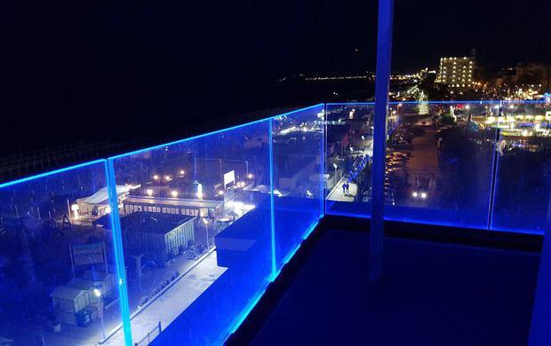 """Parapetti in vetro e UNI 11678. Ceccolini, Metalglas Bonomi: """"Per il progettista scelte più semplici"""""""