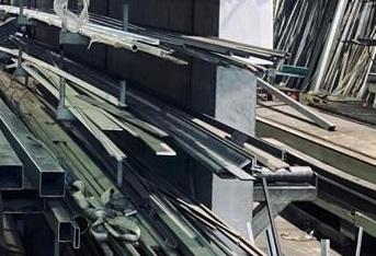 Prezzi dell'acciaio in edilizia e nella serramentistica. Che succede?