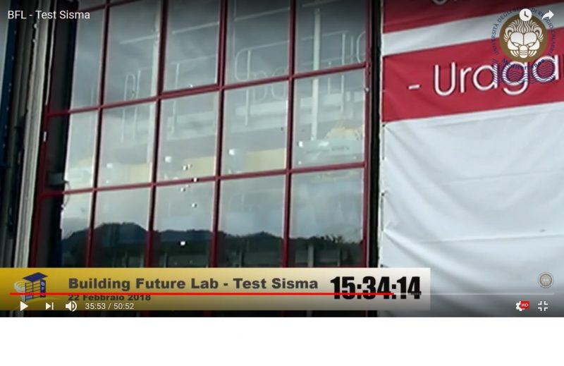 Test sisma al BFL. La facciata Aluk SL50 resiste al 'crescendo test'