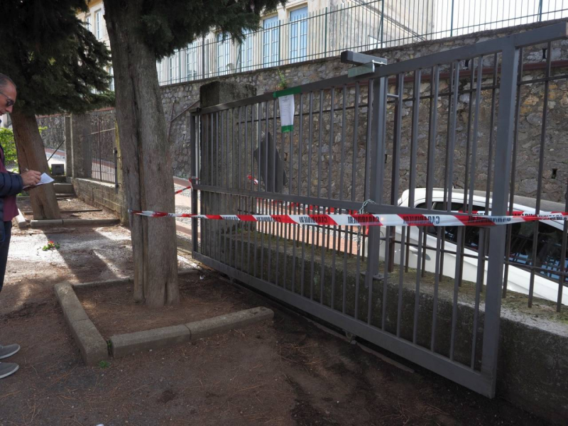 Cancello killer travolge bimba di tre anni a Lerici