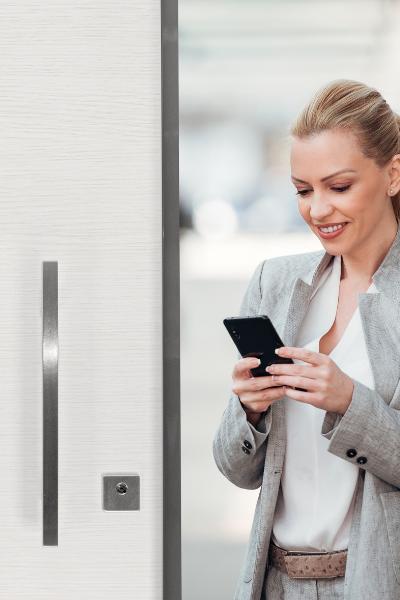 La soluzione Smart per porte blindate - Domo Connexa CISA