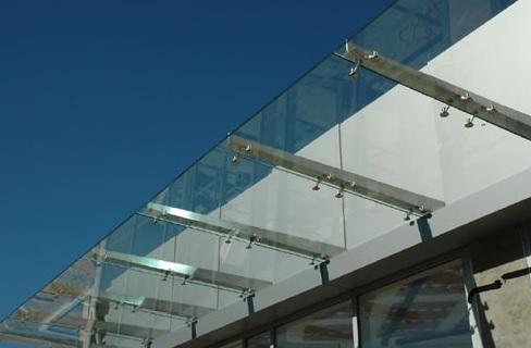 Ingegneria del vetro, UNI 7697, sicurezza dei vetri e deontologia. Interviene Lardini