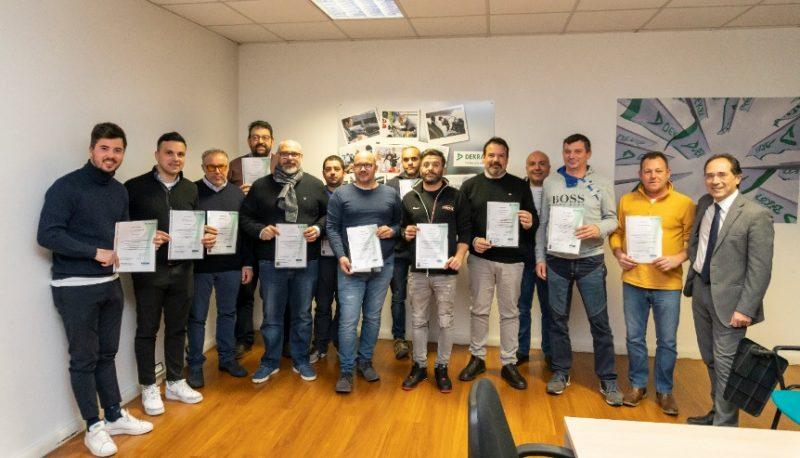Installatori certificati da Dekra ricevono il patentino di posa