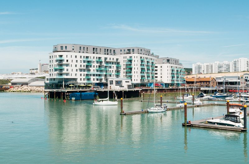 Uni-One di Uniform a Brighton Marina nell'East Sussex